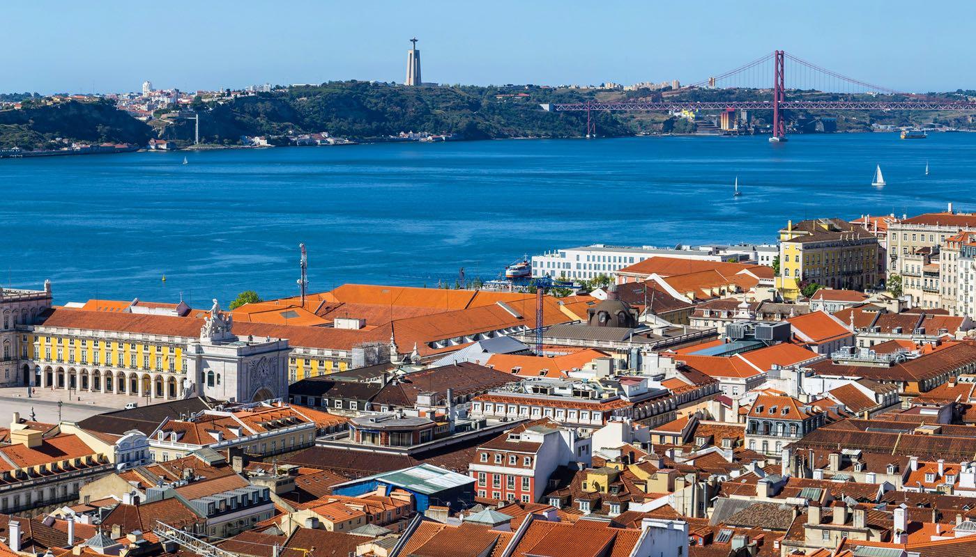 hdbeachcam-portugal-lisbon